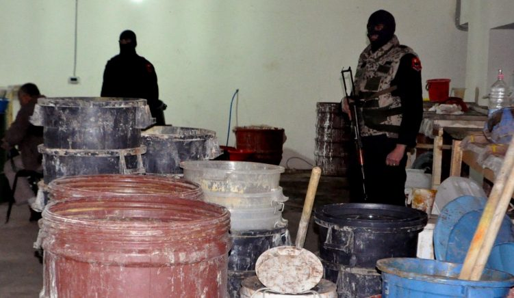 Policia zbulon laborator heroine e kokaine në Has