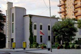 75 vota për të shembur Teatrin Kombëtar