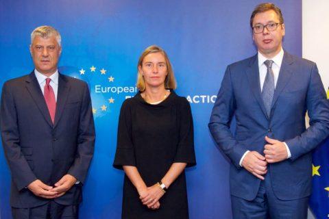 Konflikti Kosovë-Serbi, reagon KE: Duhet zgjidhje e gjithëpranueshme
