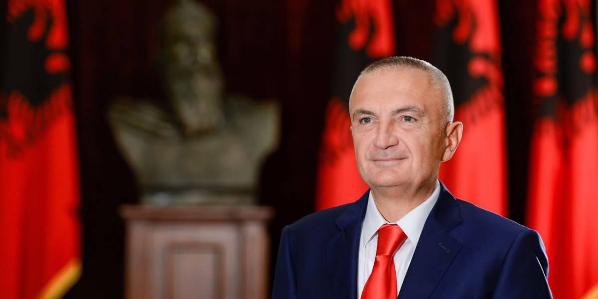 Presidenti Meta: Gati të dorëzoj mandatin për të ndaluar kthimin e Shqipërisë 30 vite pas