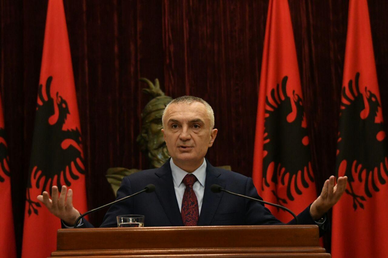 Presidenti Meta kthen në kuvend Ligjin e Teatrit: Bie ndesh me Kushtetutën