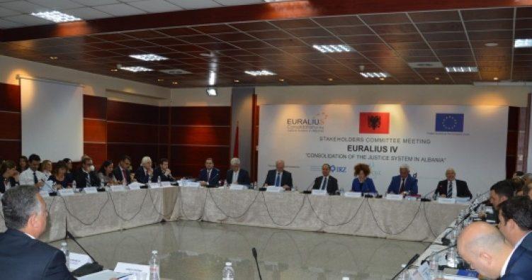 EURALIUS dhe kandidati për gjyqtar kushtetues Rado i propozojnë KLGJ-së të shkelë Kushtetutën