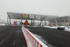 Rruga e Kombit, prodhuesit shqiptarë i kërkojnë qeverisë të ulë tarifat