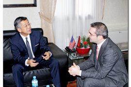 Ambasadori Donald Lu e bën personale, humbet sensin e diplomacisë amerikane