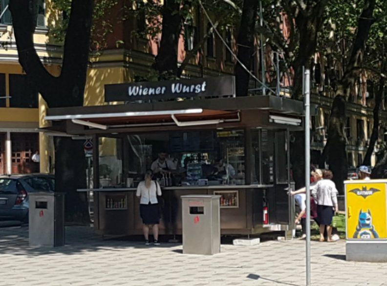 Kapitalizmi shqiptar i rikthehet kioskave