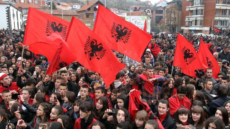 Antishqiptarë jeni ju!