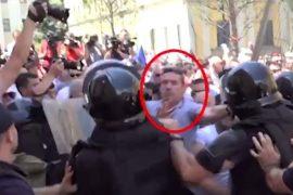 "Policia godet kryeredaktorin e gazetës ""Rilindja Demokratike"""