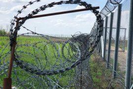 Imigrantët e paligjshëm, vendet e BE-së ndërtojnë gardhe në kufij