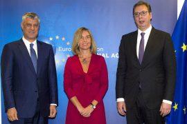 Mogherini telefonon Presidentin Thaçi: Hiqni tarifat doganore ndaj Serbisë