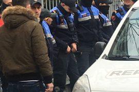 Foto Lajm — Fakulteti i Drejtësisë dhe Ekonomik i rrethuar nga Policia e Shtetit