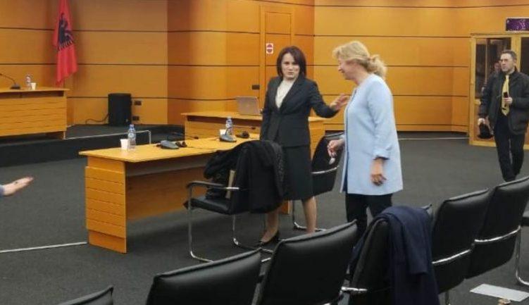 Donika Prela: Nuk jemi në BE që të paguajmë taksa