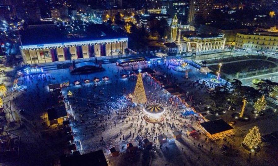 """Ndonëse është një projekt i korruptuar, Sheshi Skënderbej futet në finalen e Çmimit """"Mies van der Rohe Architecture"""""""