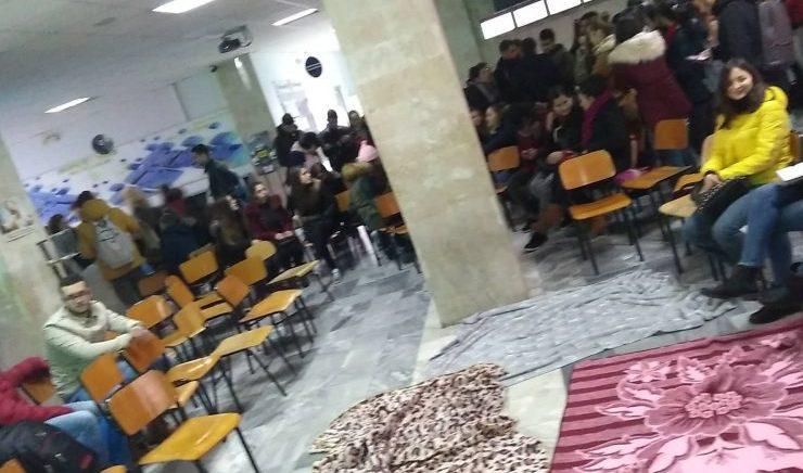 Studentët vendosin bojkot dhe ngujim në fakultete