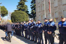 Qeveria: 19 të lënduar dhe 15 protestues të arrestuar