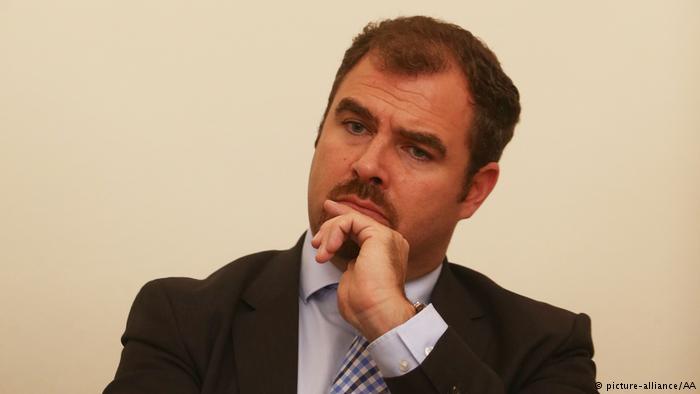 Deputeti i CSU-së i kërkon opozitës të kthehet në parlament