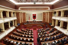 Betohet deputeti Ramazan Gjuzi, kuvendi shkon në 122 deputetë