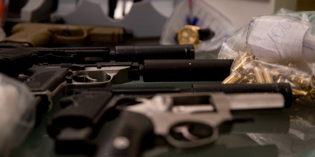 Qeveria Shqiptare planifikon të ulë moshën minimale për mbajtjen e armëve në 22 vjeç