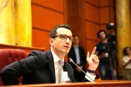 PD akuzon Veliajn, i dha 3,4 milionë euro kompanisë së kryebashkiakut të Matit