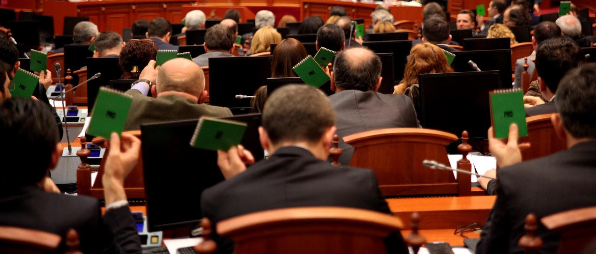 Prag elektoral kombëtar: i ndihmon apo jo partitë e vogla