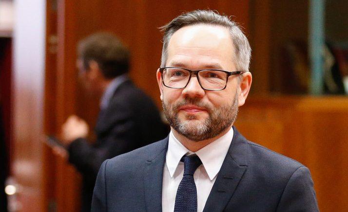 Hapja e negociatave, Ministri gjerman Roth — Shqipëria duhet të plotësojë pesë kushtet