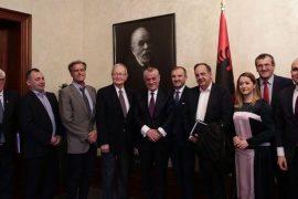 Fleckenstein nuk e ka kuptuar ende: Nuk ka më opozitë në Parlament