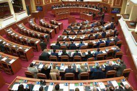 """Deputetët e """"opozitës së re"""" krijojnë grupet parlamentare"""