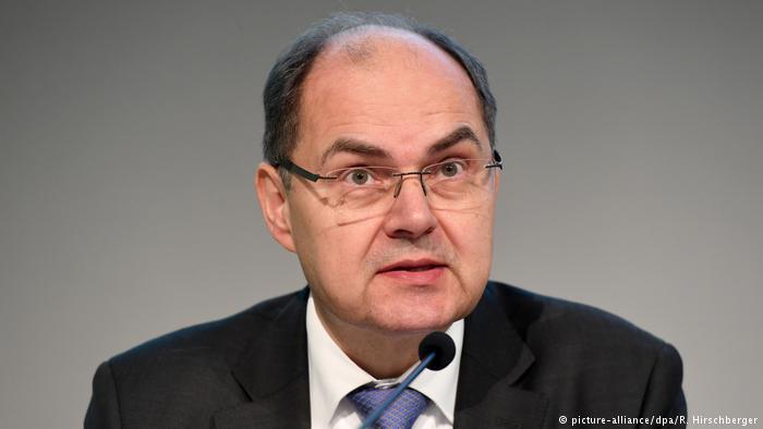 Deputeti gjerman Schmidt për Shqipërinë: Qeveria mban përgjegjësi për krizën politike