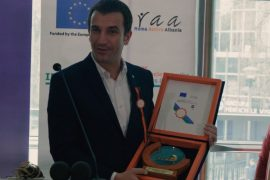 """Egoja e një kryebashkiaku – Erion Veliaj shpërblehet për """"pjesëmarrjen"""""""