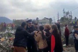Bregu i Lumit, policia largon me dhunë banorët nga shtëpitë e tyre