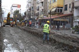 Punimet për kanalizimet dhe ujësjellësin e Durrësit rrezikojnë arkeologjinë