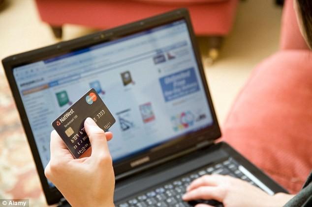 Taksa për blerjet online, sqarimi i Ministrisë së Financave shkakton keqkuptime
