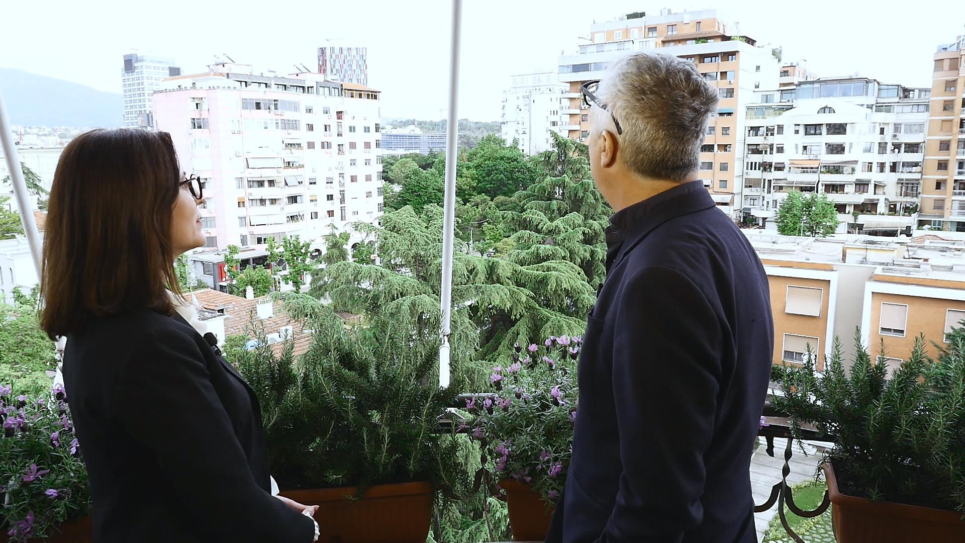 """Lëpirje për një grusht parash – Intervista e pabesueshme e arkitektit """"vizionar"""" Stefano Boeri"""