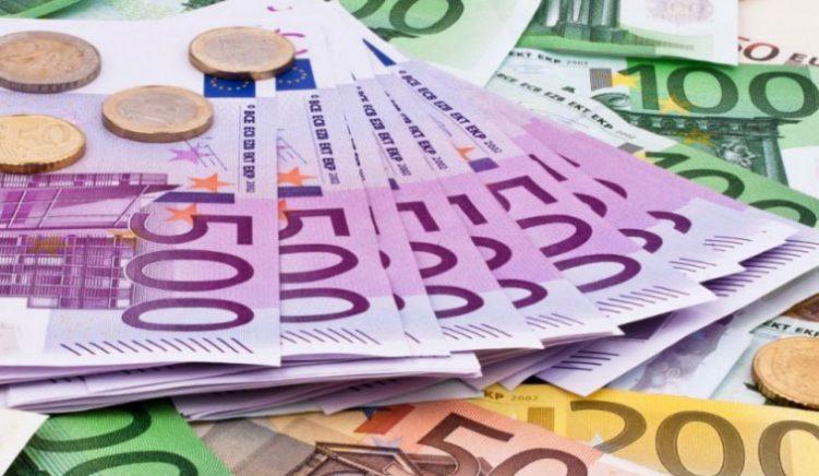 Rritet përdorimi i euros në jetën e përditshme