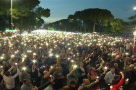 Mijëra qytetarë protestojnë paqësisht kundër qeverisë Rama