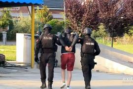 Arrestohet i dyshuari për vrasjen e 57-vjeçarit në Gjirokastër