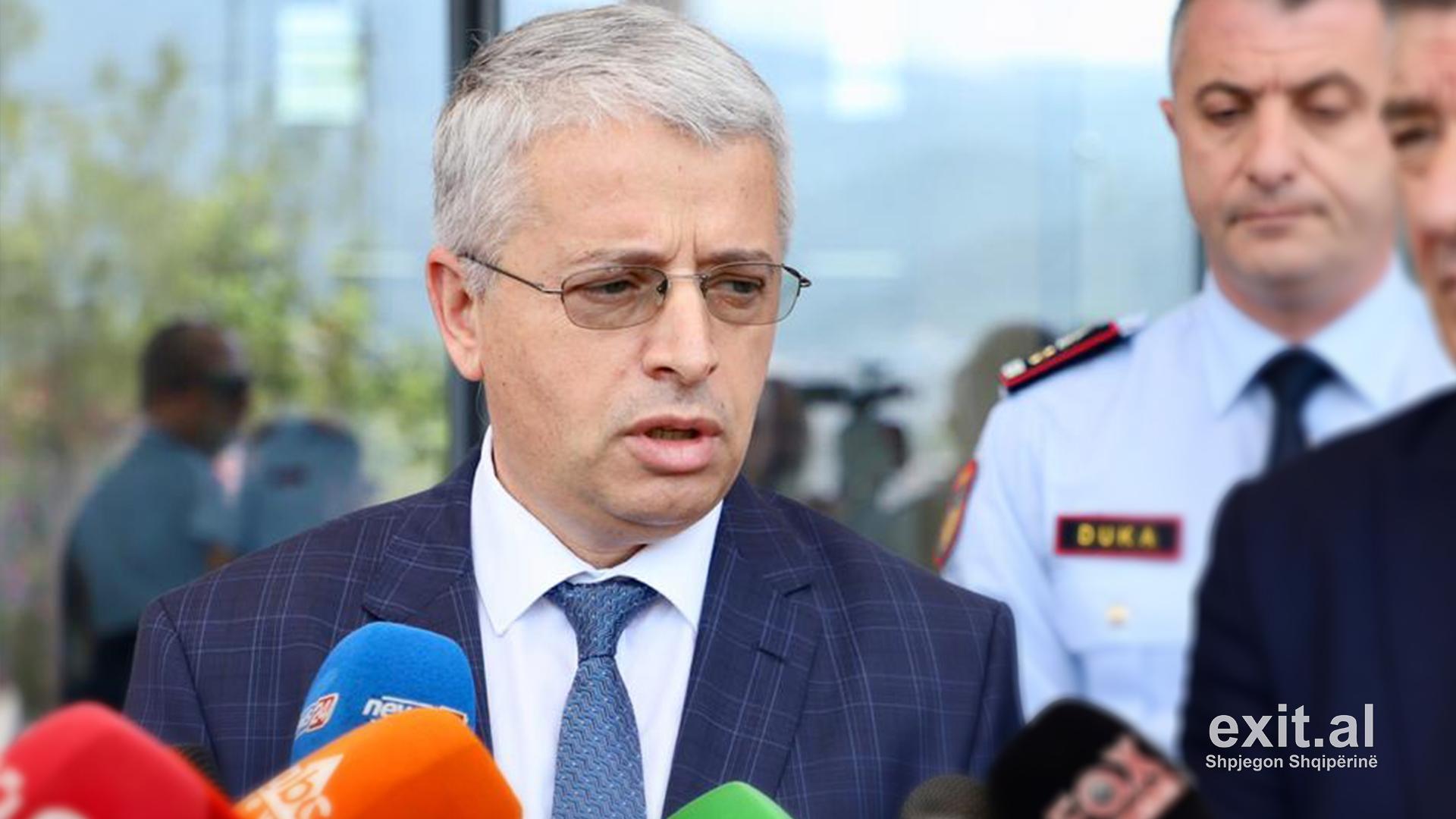 Ministri Lleshaj thirrje qytetarëve të shtyjnë afatet e udhëtimit ose të ndalojnë në fshatra afër Kakavijës