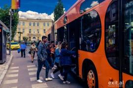 Shoqata e Transportit të Udhëtarëve thirrje qeverisë për rifillim të aktivitetit, paralajmëron protesta
