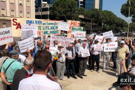 Rikthehen protestat kundër ndërtimit të hidrocentraleve