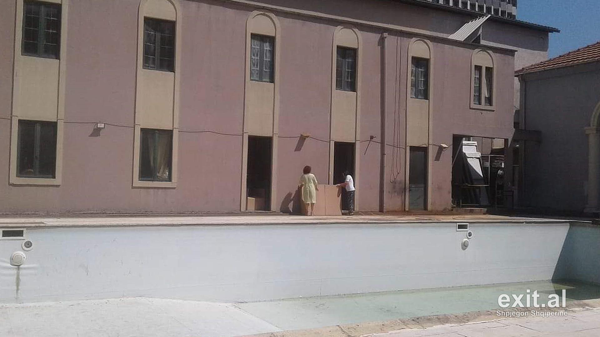 Fillon përgatitja për prishjen e Teatrit Kombëtar