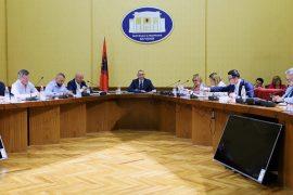 Nis punën komisioni hetimor për shkarkimin e Metës