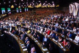 Politikanët shqiptarë mbështesin muxhahedinët kundër teokracisë në Iran