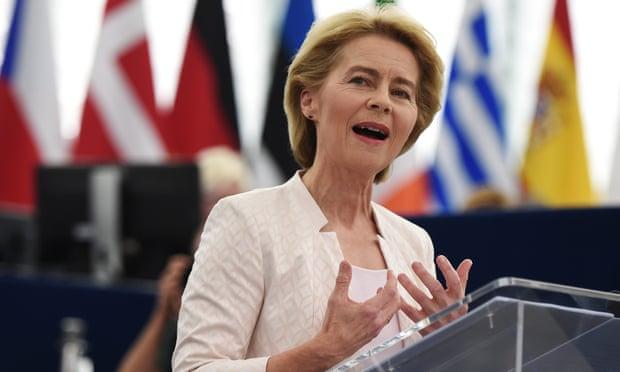 Presidentja e KE Von der Leyen prezanton eurokomisionerët e rinj