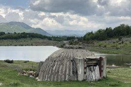 Barinjtë përdorin bunkerët për të strehuar bagëtitë