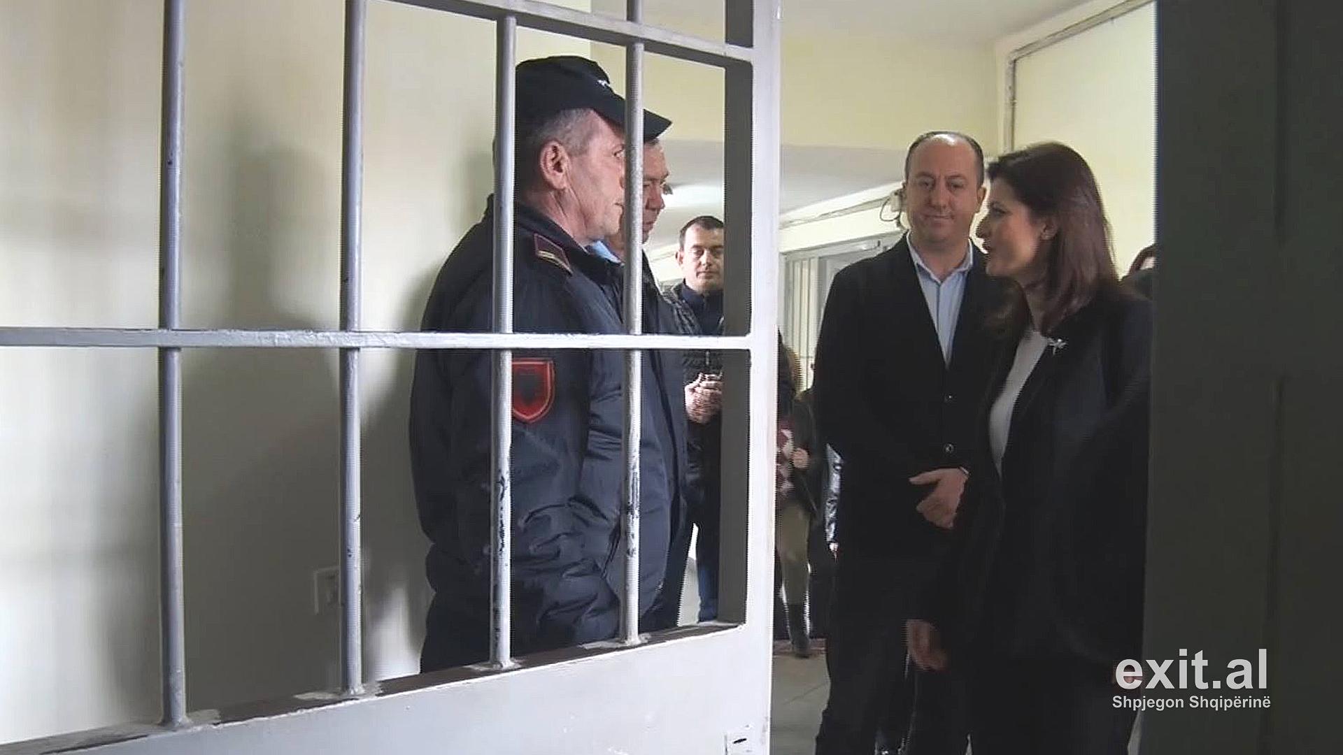 Drejtoria e Burgjeve: Të burgosurit po lirohen para kohe