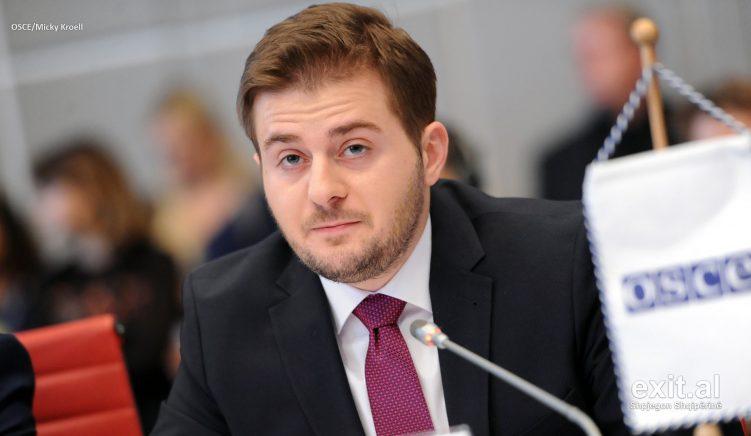 Cakaj bisedon me Koordinatorin amerikan për luftën kundër terrorizmit