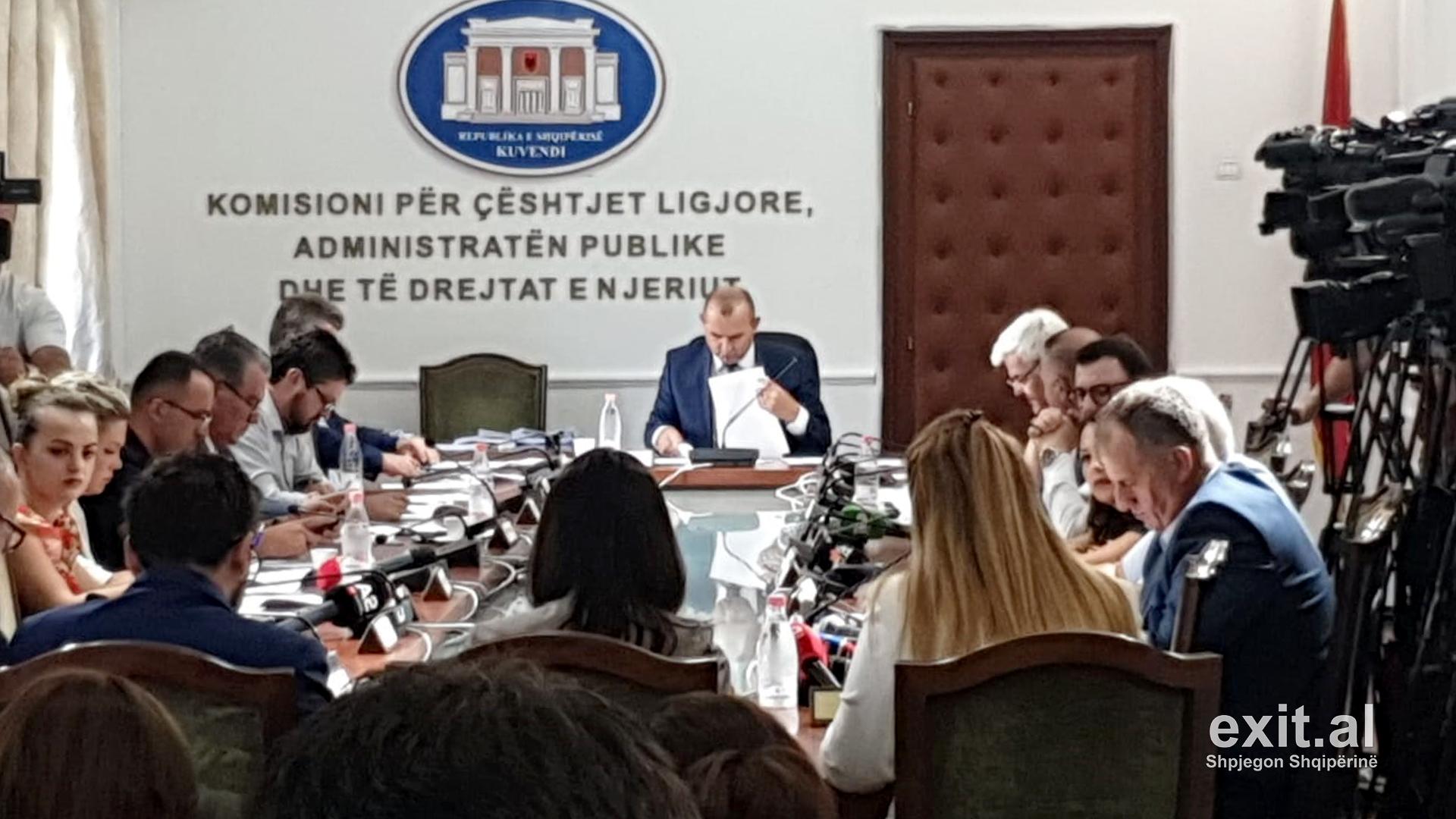 Shumica socialiste vendos t'i drejtohet sërish Komisionit të Venecias