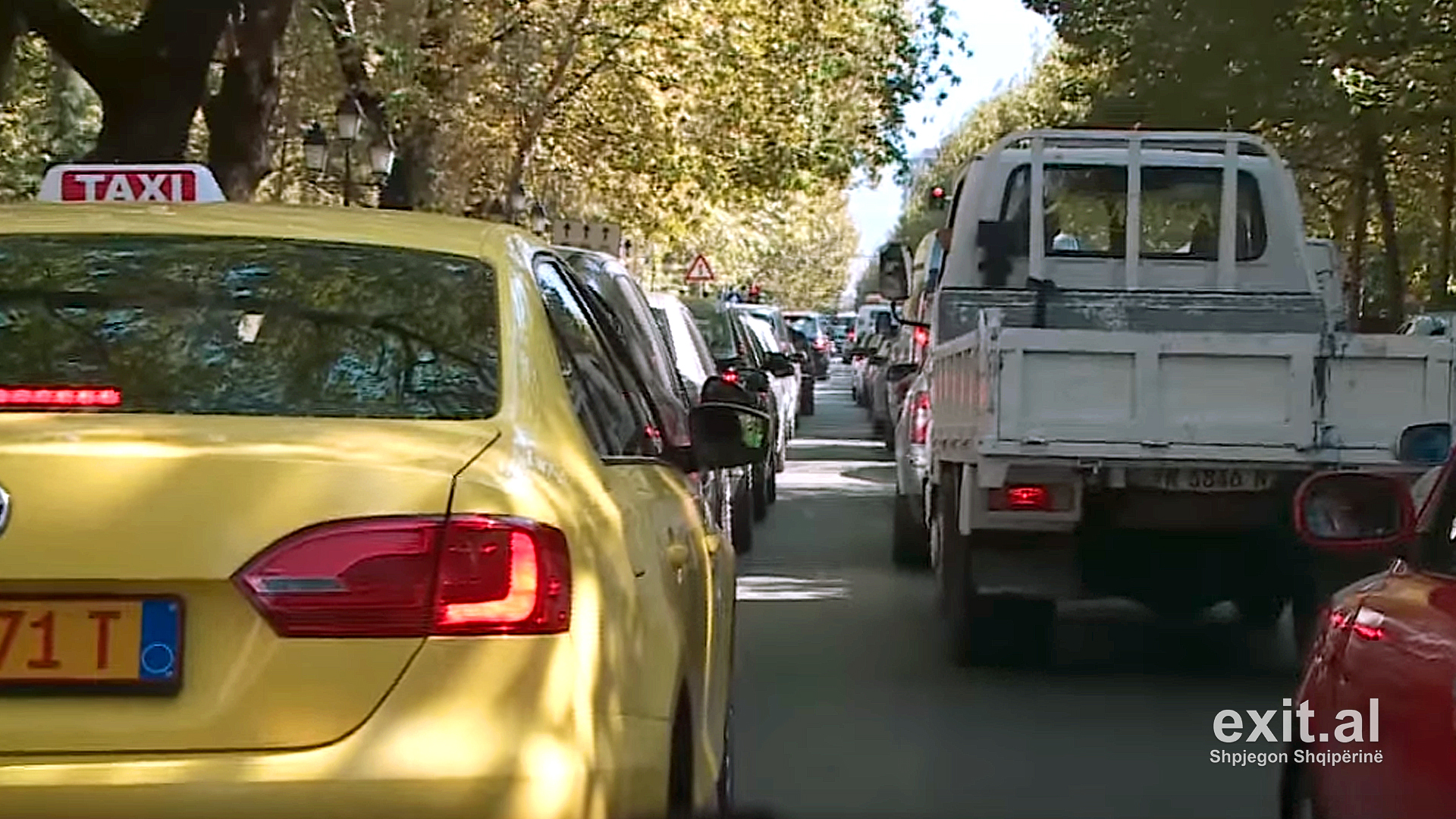 Nesër dita e parë e shkollës, kush janë rrugët që mund të bllokohen nga trafiku