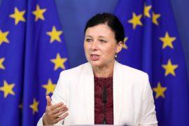 Çekisë, së kritikuar për gjendjen e shtetit të së drejtës, i jepet portofoli i 'shtetit të së drejtës' në Komisionin e ri Europian