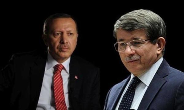 Erdogani përjashton ish-aleatin kryesor, mes dorëheqjeve masive nga partia