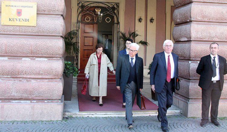Gjyqtarët i kërkojnë Venecias mos ndryshojë Opinionin nga trysnia e qeverisë